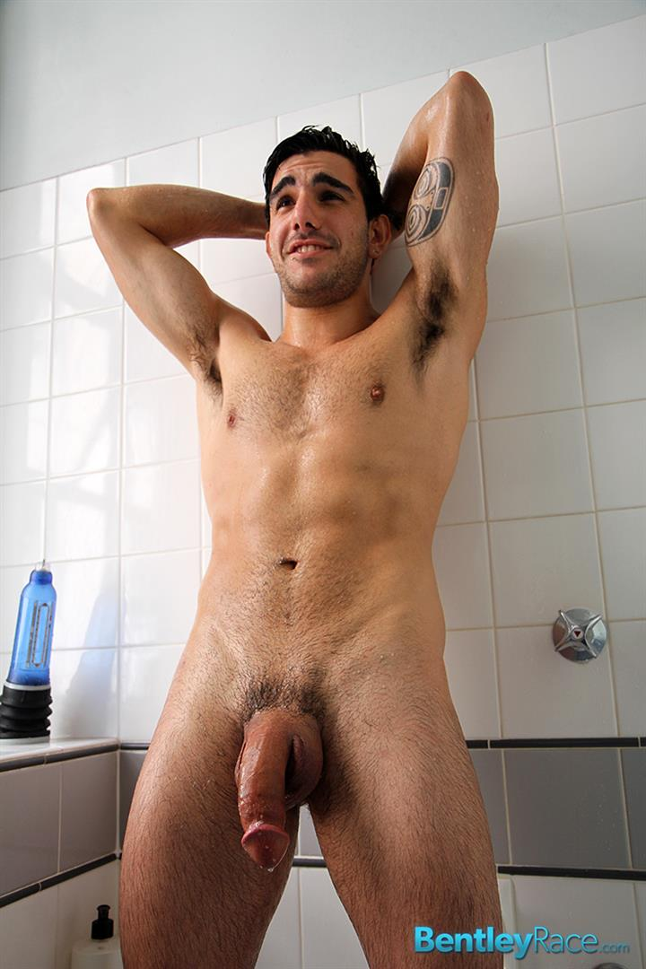 Amateur Tumblr Poster Chris Bass Jerking Off His Massive ...